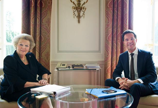 Electrospaces.net: Dutch queen Beatrix' phone